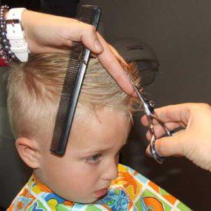 como cortar el pelo a un niño